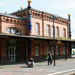 800px-Uelzen_-_Hundertwasserbahnhof_21_ies